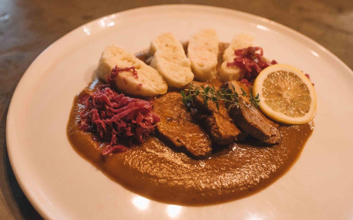 Sirloin Steak with cream sauce Joshua District cocobeli