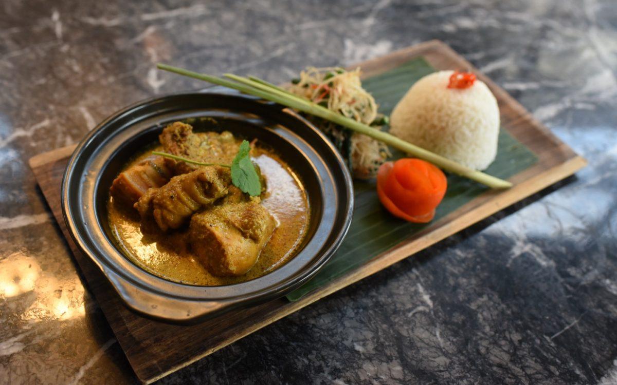 chicken BUMBU curry Ketumber bistro and bar cocobeli