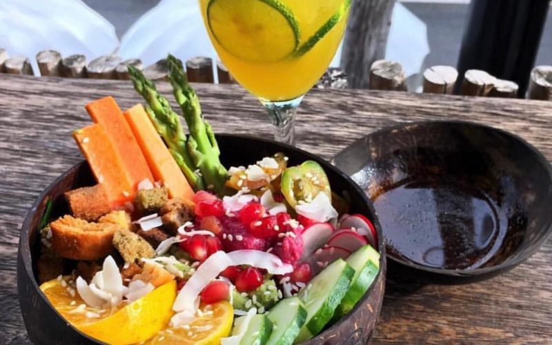 Buddha Bowl called Green Fields Bali bowls and smoothie cocobeli