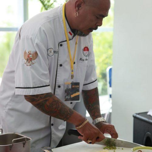 Chef Henry Alexie Bloem warung Hykata jakarta Cocobeli